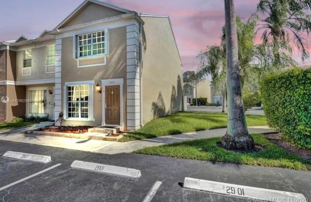 2901 Dorchester Ln - 2901 Dorchester Lane, Cooper City, FL 33026