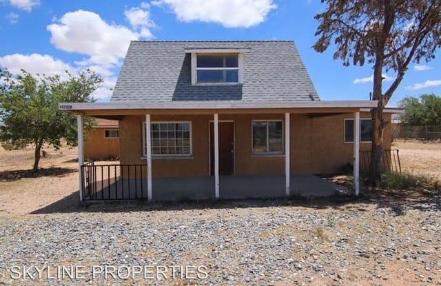 11209 NAVAJO ROAD - 11209 Navajo Rd, Apple Valley, CA 92308
