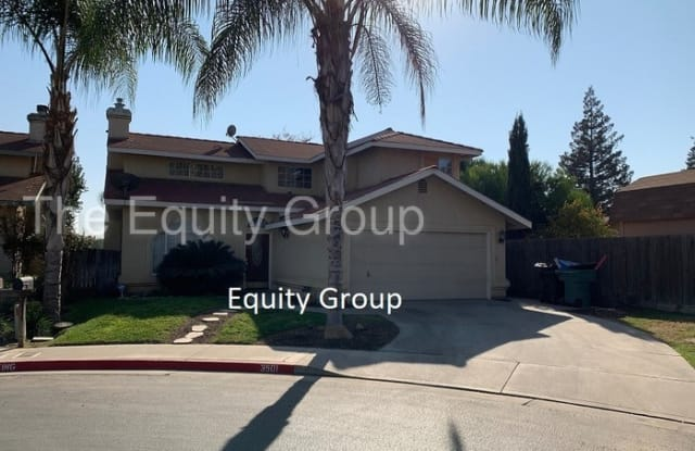 3501 East Stewart Court - 3501 E Stewart Ct, Visalia, CA 93292
