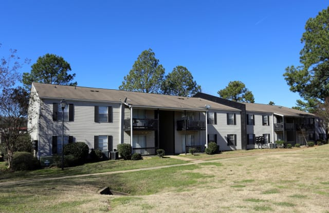 Pinebrook Apartments - 109 Pine Knoll Dr, Ridgeland, MS 39157