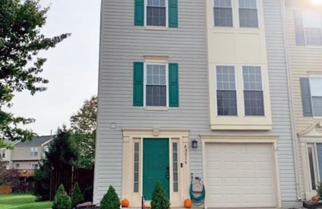 43216 CHOKEBERRY SQ - 43216 Chokeberry Square, Ashburn, VA 20147