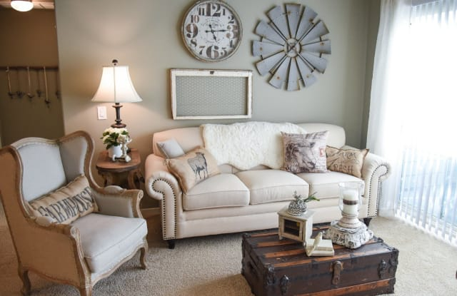 Gateway Oaks Apartments - 1105 N Gateway Blvd, Forney, TX 75126