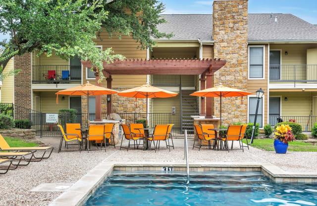 The Retreat at River Ranch - 4850 River Ranch Rd, Fort Worth, TX 76132
