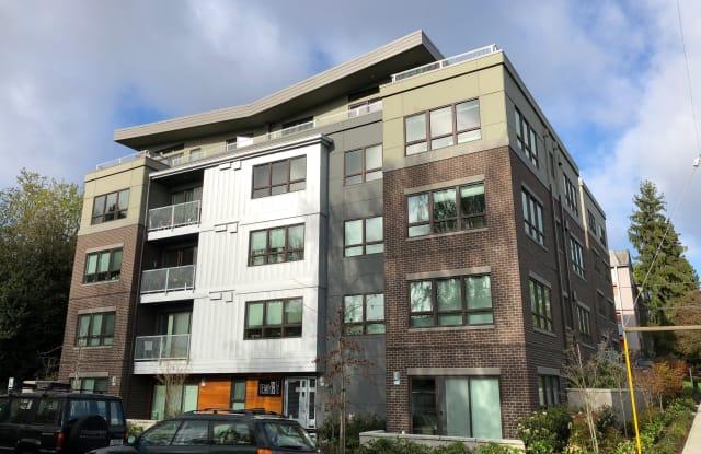 Denny18 - 1823 18th Avenue, Seattle, WA 98122