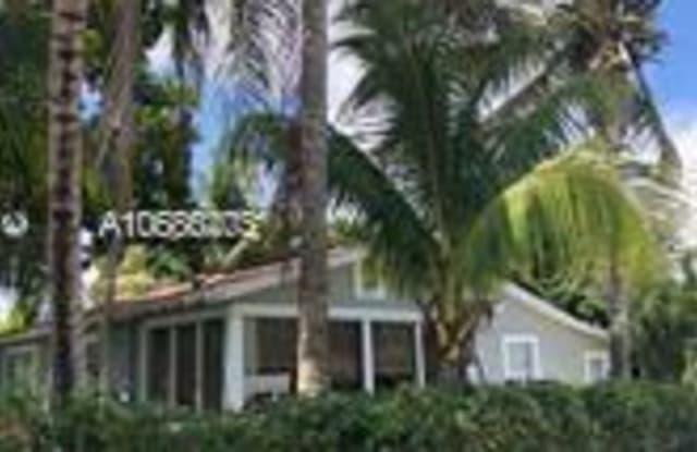 390 NE 164th Ter U39 - 390 Northeast 164th Terrace, Golden Glades, FL 33162