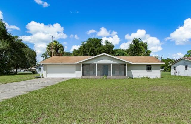 402 Century Avenue - 402 Century Avenue, Fruitland Park, FL 34731