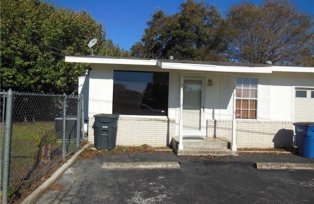 814 W Nacogdoches Street - 814 West Nacogdoches Street, New Braunfels, TX 78130