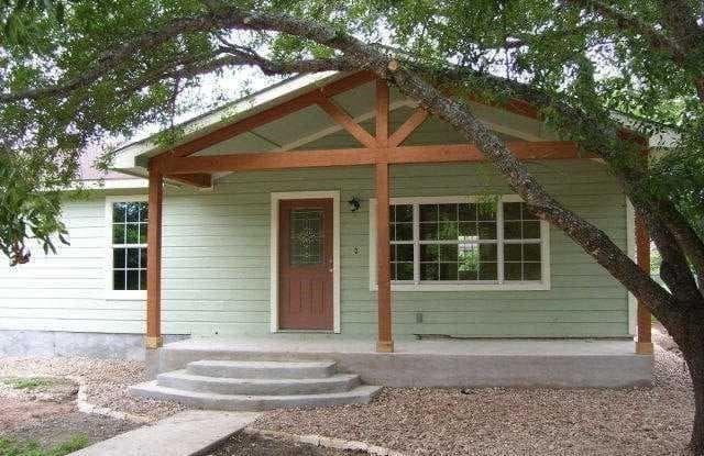 1300 Dartmouth Street - 1300 Dartmouth Avenue, San Marcos, TX 78666