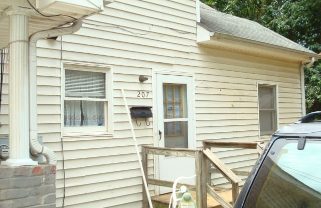 207 Cates Ave - 207 Cates Avenue, Burlington, NC 27215
