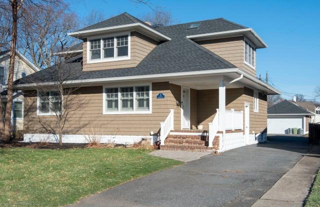 705 Crescent Place - 705 Crescent Place, Sea Girt, NJ 08750