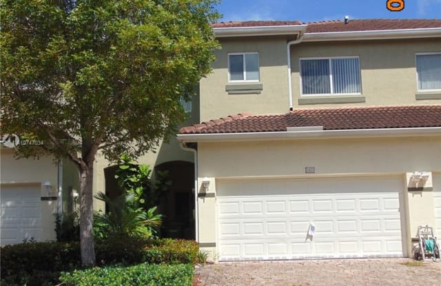 2425 SE 19th St - 2425 Southeast 19th Street, Homestead, FL 33035