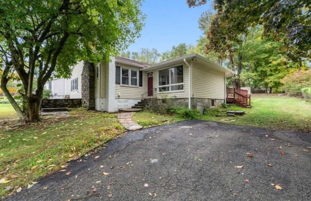 3413 N SHELLEY STREE - 3413 North Shelley Court, Lake Mohegan, NY 10547