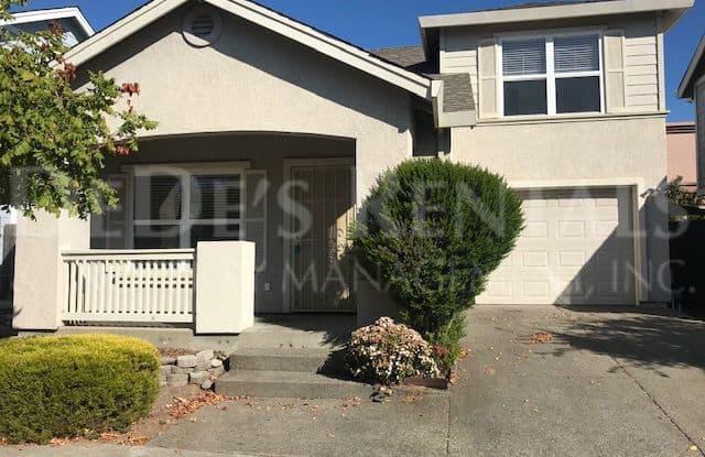 2812 Bay Village Avenue - 2812 Bay Village Avenue, Santa Rosa, CA 95403
