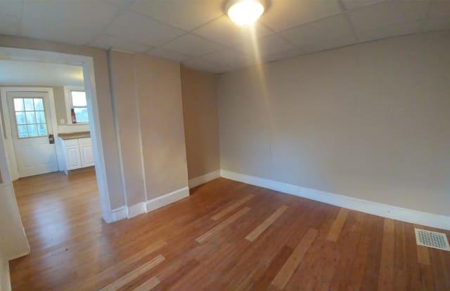 314 Penn St - 314 Penn Street, Burlington, NJ 08016