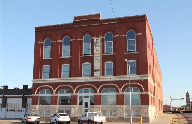 Sentney Lofts - 126 E 2nd Ave, Hutchinson, KS 67501