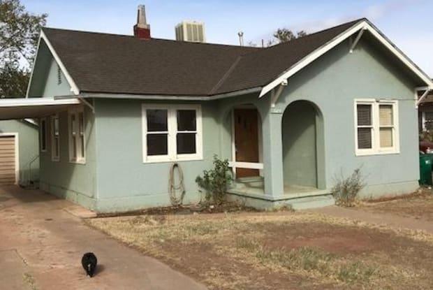 1009 Warren Ave. - 1009 North Warren Avenue, Winslow, AZ 86047