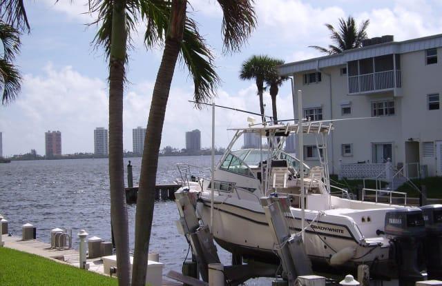 110 Shore Court - 110 Shore Court, North Palm Beach, FL 33408