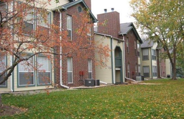 Peachtree Apartments - 915 Peach Hill Ln, Chesterfield, MO 63017