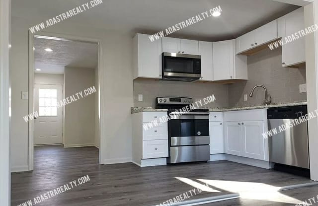 615 NE 45th Terrace - 615 Northeast 45th Terrace, Kansas City, MO 64116