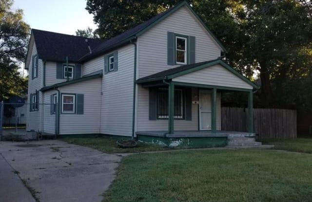 2000 E 10th - 2000 East 10th Street North, Wichita, KS 67214