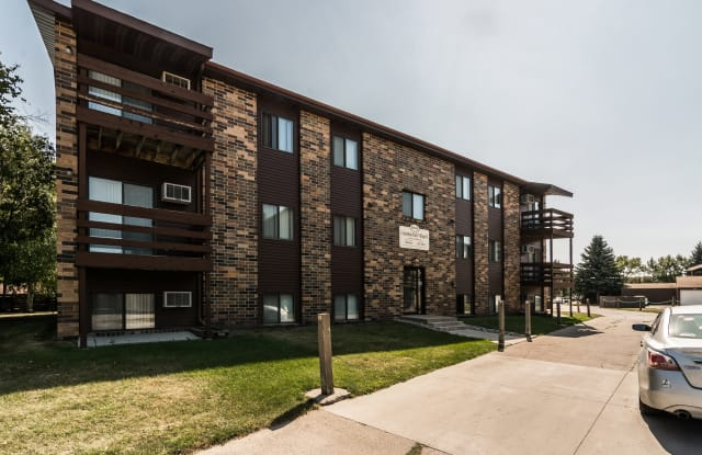 Columbia Park Village 1 - 2839 20th Avenue S, Grand Forks, ND 58201