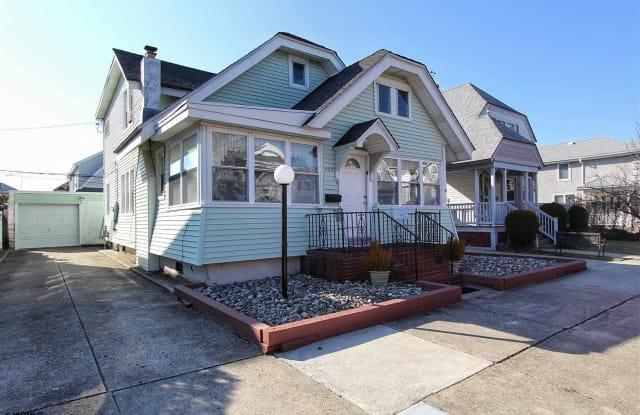 102 N Sumner Ave - 102 North Sumner Avenue, Margate City, NJ 08402