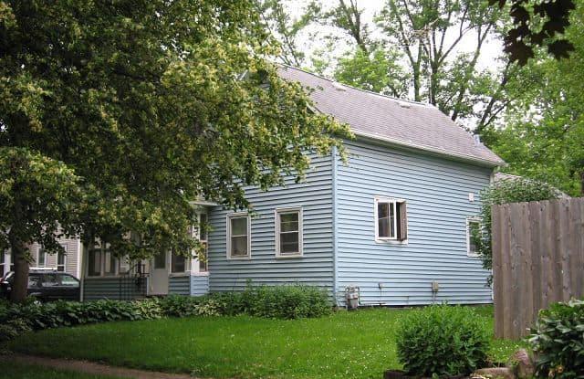 409 Iowa Street - 409 Iowa Street, Cedar Falls, IA 50613