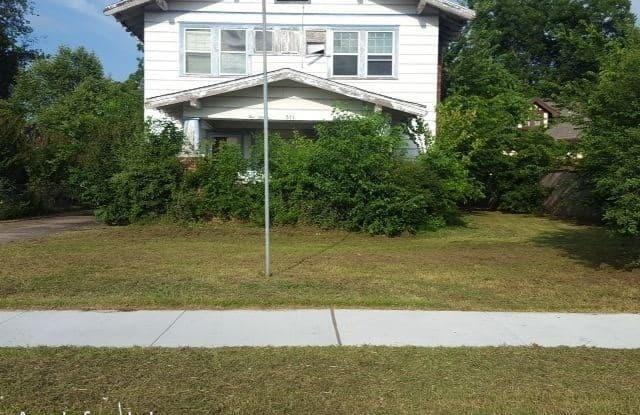 511 N Okmulgee Ave - 511 North Okmulgee Avenue, Okmulgee, OK 74447
