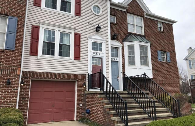 8211 Beacon Pl - 8211 Beacon Place, Cleveland, OH 44103