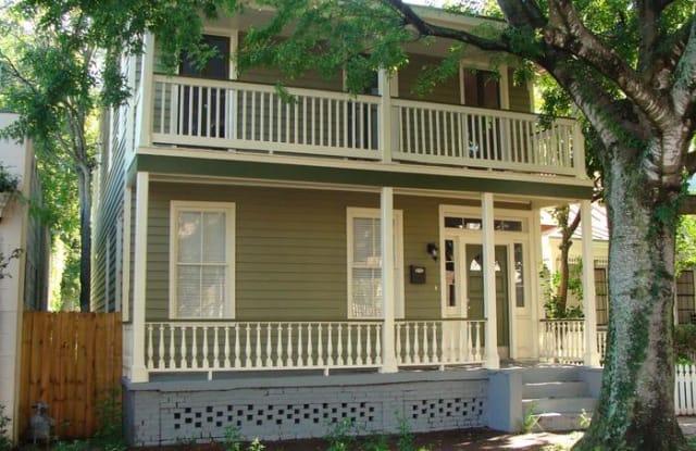 318 West Waldburg Street - 318 West Waldburg Street, Savannah, GA 31401
