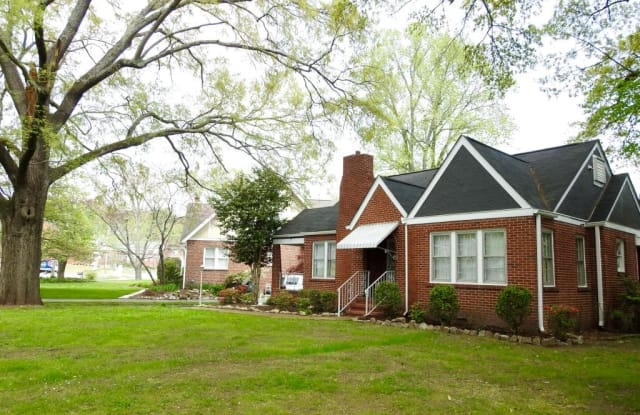 16 S Sweetbriar Ave - 16 S Sweetbriar Ave, Chattanooga, TN 37411