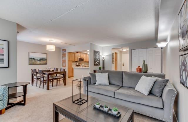 York Plaza Apartments - 7230 York Ave S, Edina, MN 55435