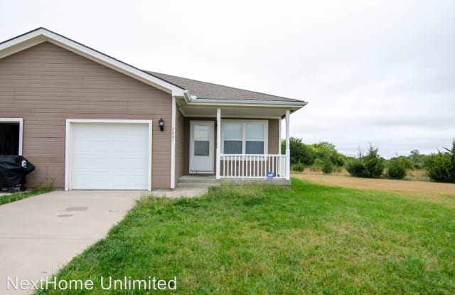 2004 Tanager Court - 2004 Tanager Ct, Junction City, KS 66441