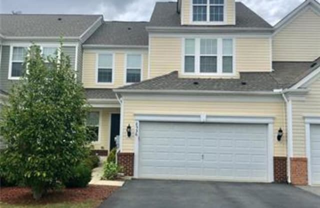 8536 Mayfair Court Breinigsville Pa Apartments For Rent