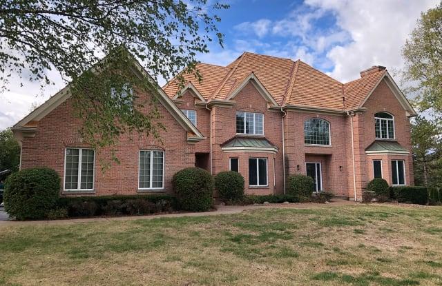 18 Stone Ridge Drive - 18 Stone Ridge Drive, South Barrington, IL 60010