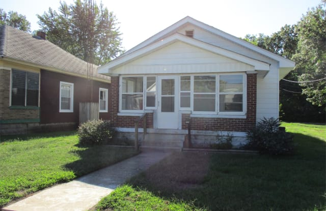 2515 S. 6th - 2515 South 6th Street, Terre Haute, IN 47802