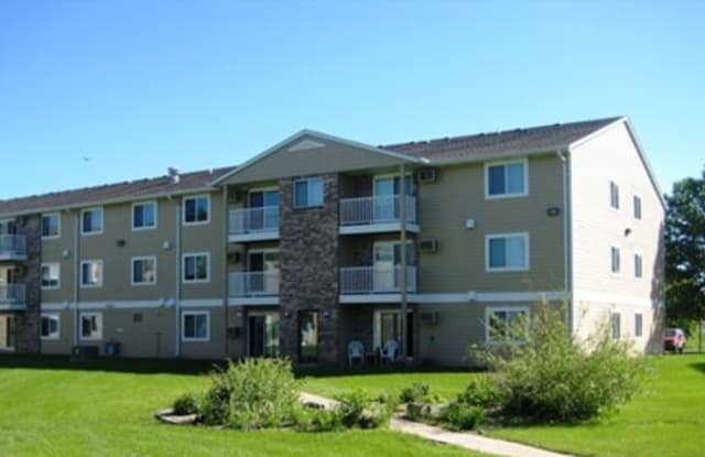 Golden Creek Apartments - 3700 S Golden Creek Pl, Sioux Falls, SD 57106