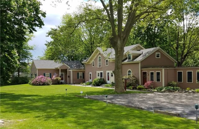 97 Narragansett Avenue - 97 Narragansett Avenue, Newport, RI 02840