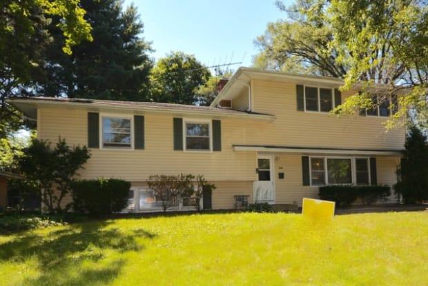 226 ELMWOOD Drive - 226 Elmwood Drive, Naperville, IL 60540
