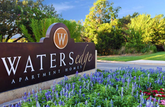 Waters Edge Apartment Homes - 25 Waters Edge Cir, Georgetown, TX 78626