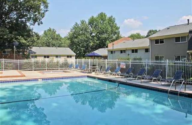 Country Club Apartments - 201 Tam O Shanter Blvd, Williamsburg, VA 23185