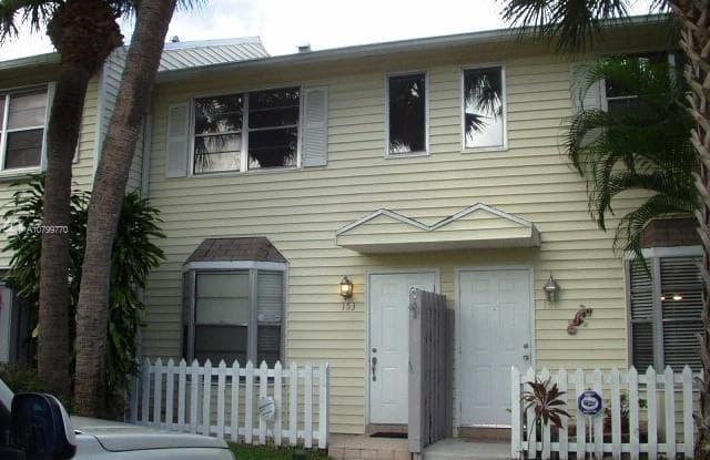 153 SW 3rd St - 153 Southwest 3rd Street, Pompano Beach, FL 33060