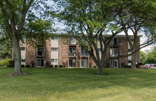 Wellington Creek - 2940 Wellington Avenue, Unit 109, Lisle, IL 60532