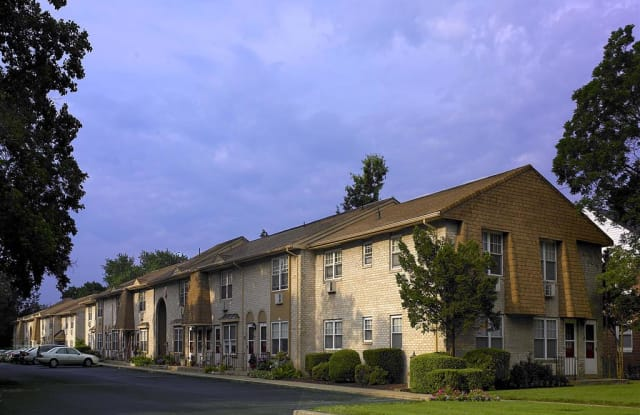 42 West - 42 West Maple Avenue, Merchantville, NJ 08109