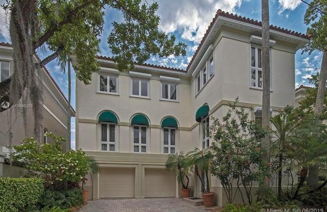 3523 Bayshore Villas Dr - 3523 Bayshore Villas Drive, Miami, FL 33133