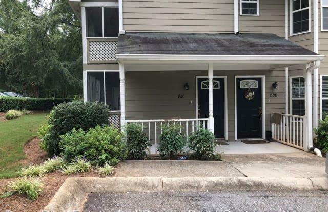 1510 Oakridge Court - 1510 Oakridge Court, North Decatur, GA 30033