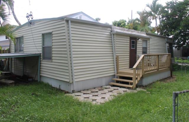 123 Justamere Road - 123 Justamere Road, Cape Canaveral, FL 32920