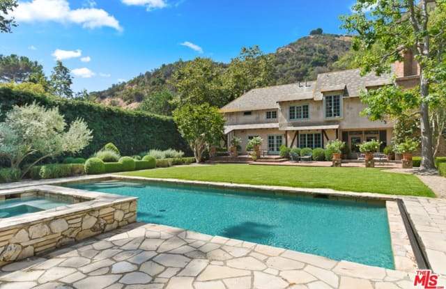2562 MANDEVILLE CANYON Road - 2562 Mandeville Canyon Rd, Los Angeles, CA 90049