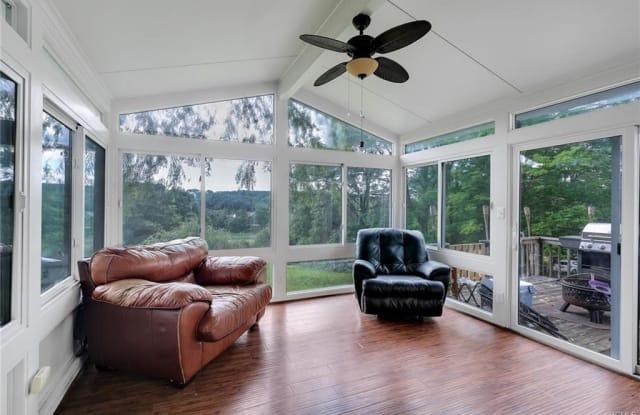 39 Lakeside Drive - 39 Lakeside Drive, Beaver Dam Lake, NY 12553