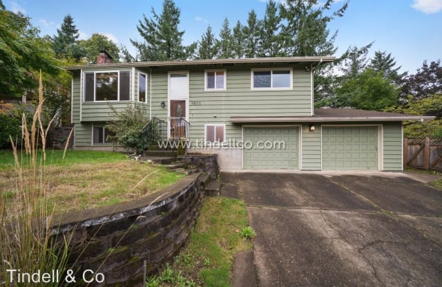 8611 SW 50th Ave - 8611 Southwest 50th Avenue, Portland, OR 97219